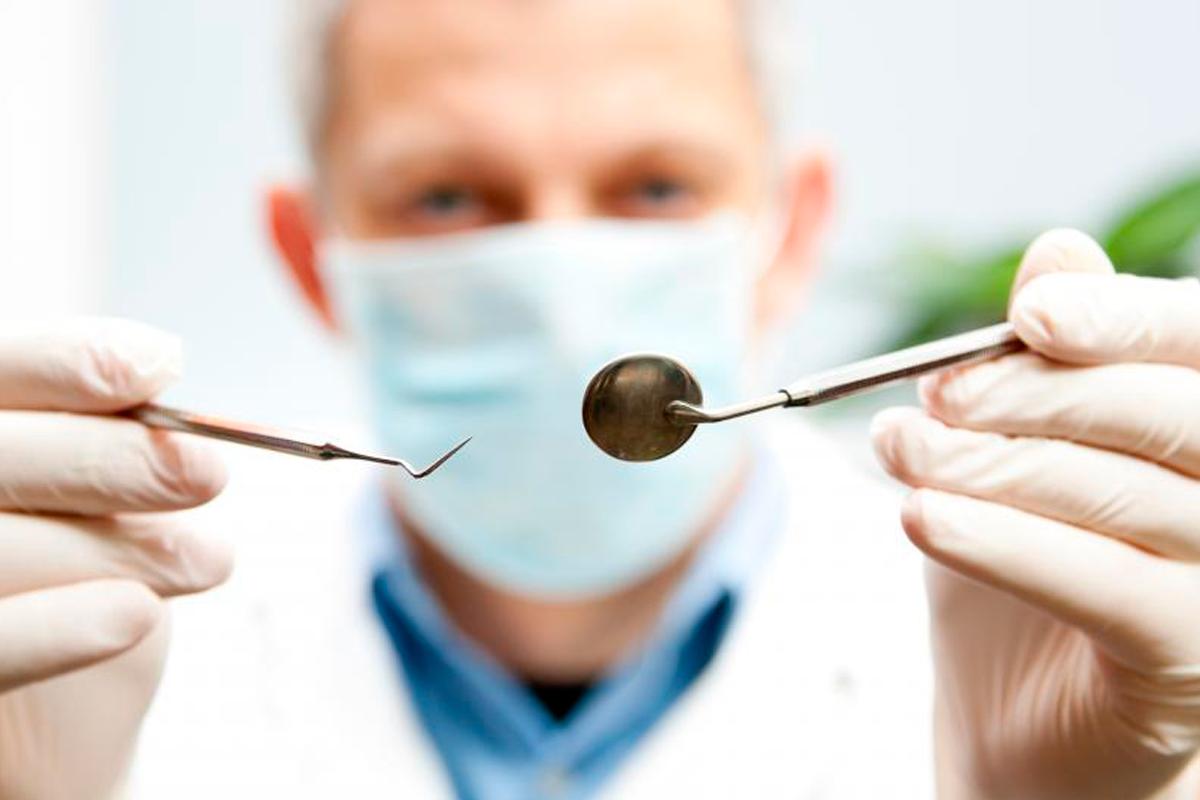 stomatolog-1200x800.png